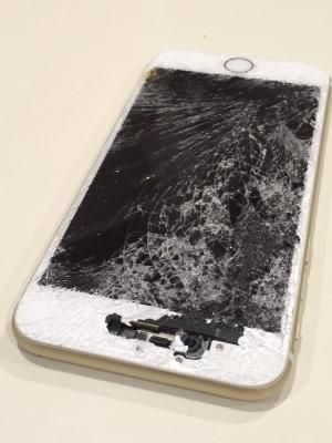 iPhone 5Sのガラス割れ-iPhone 5S修理前の写真