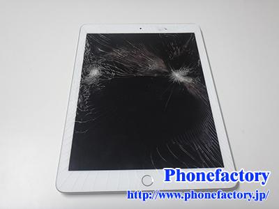 iPad 6th フロントガラス交換修理 – 子供が間違って踏んでしまいガラスが割れた